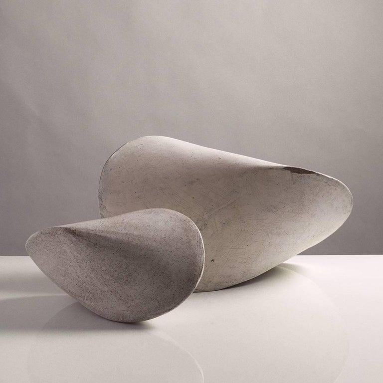 Large White Crackle Finish Modern Ceramic Pod Sculpture In New Condition For Sale In Bronx, NY