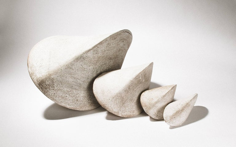Giant White Crackle Finish Modern Ceramic Pod Sculpture In New Condition For Sale In Bronx, NY