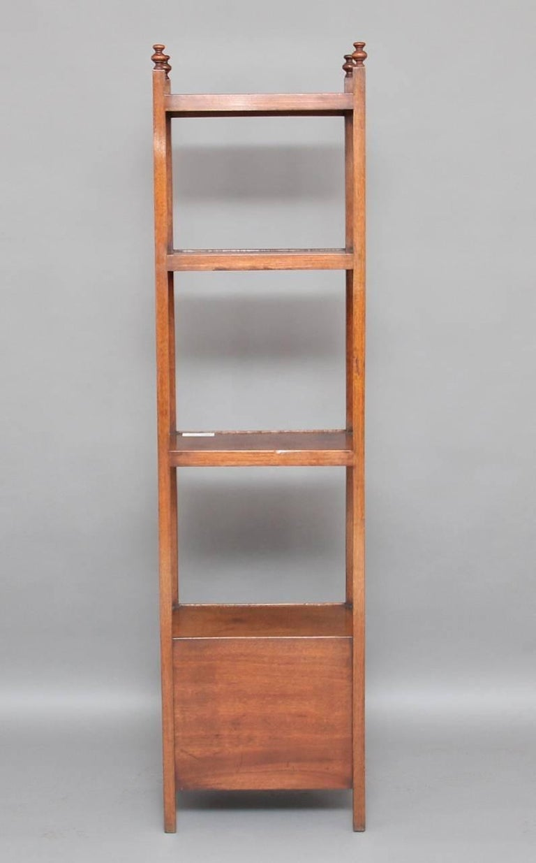 Early 19th Century Mahogany Four-Tier Whatnot For Sale 2