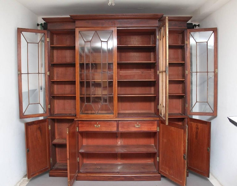 Early Victorian 19th Century Mahogany Breakfront Bookcase For Sale