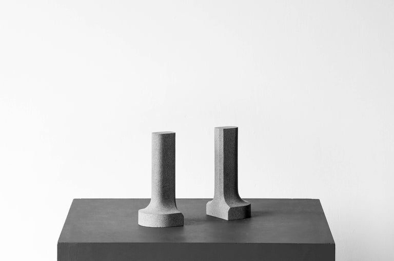 S.R.O Símbolo Volcanic Stone Bookends by EWE Studio 4