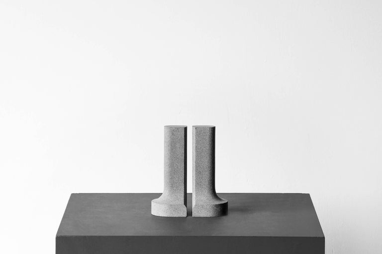 S.R.O Símbolo Volcanic Stone Bookends by EWE Studio 3