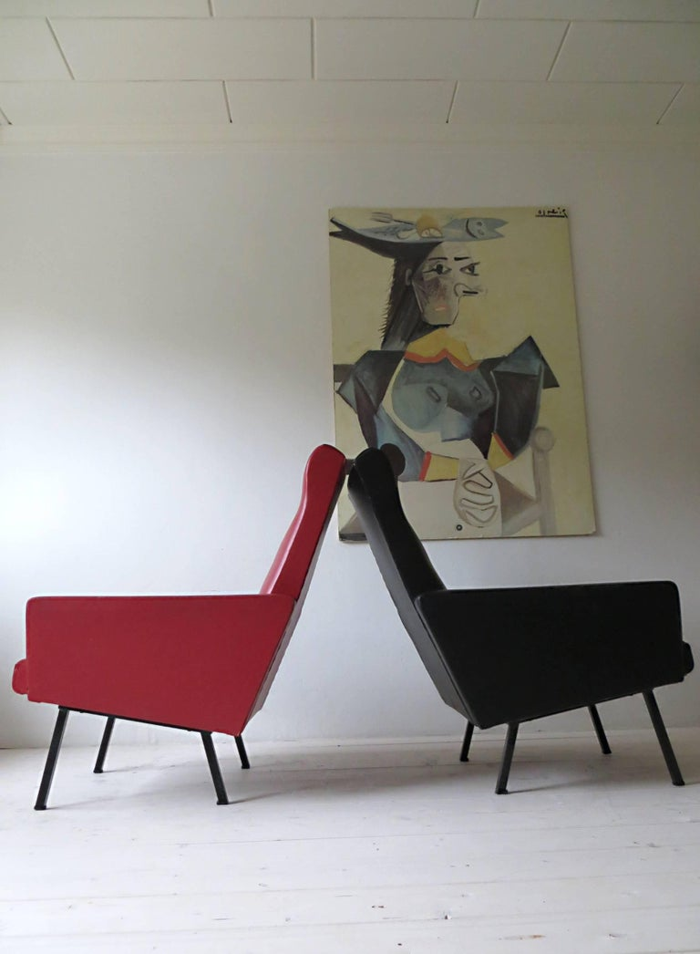 Mid-Century Modern Pair of 1950s French Vintage Armchairs Lounge Chairs Style of Pierre Guariche For Sale
