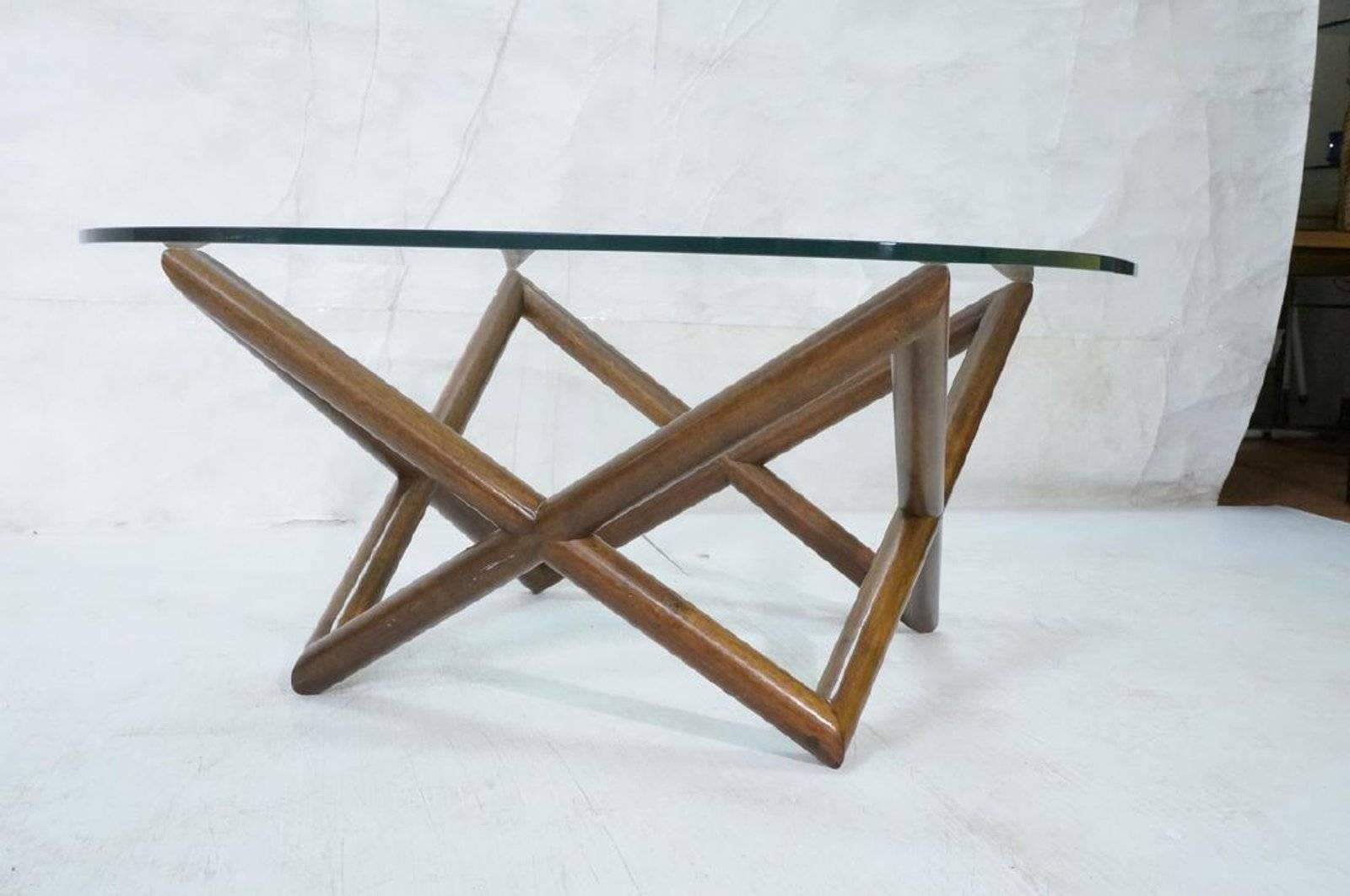 Superbe American Mid Century Modern Glass Coffee Table With Walnut Base For Sale