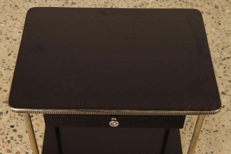 American Elegant Pair of Black Lacquer and Brass End or Bedside Tables For Sale