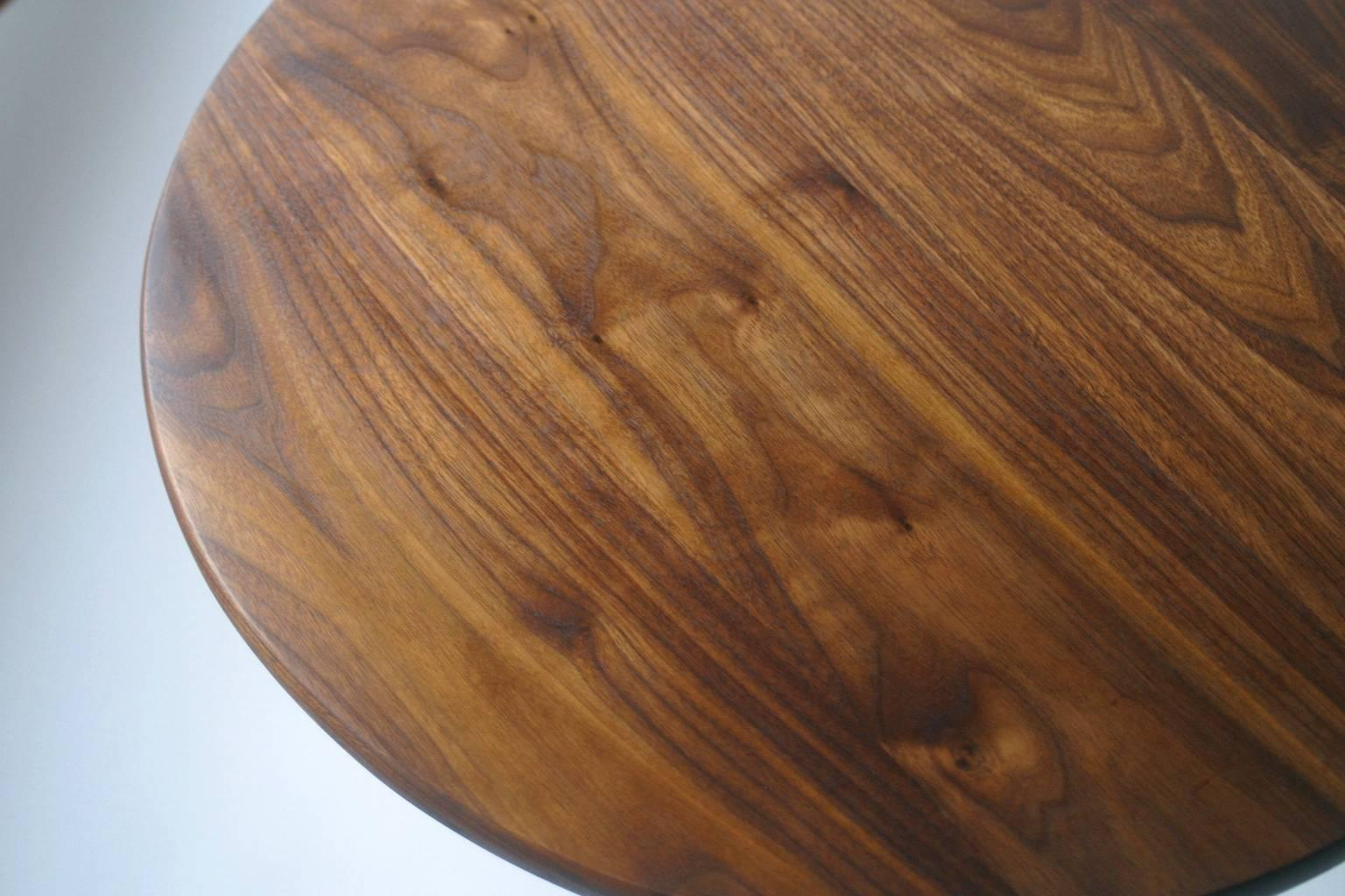 Modern Side Table In Black Walnut With Oil And Wax Finish In Excellent  Condition For Sale
