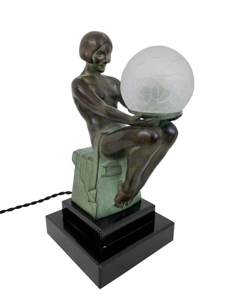 Delassement Lumineux French Art Deco Sculpture Lamp by Max Le Verrier For Sale 1