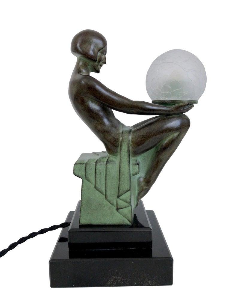 Delassement Lumineux French Art Deco Sculpture Lamp by Max Le Verrier For Sale 4