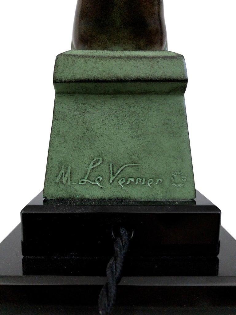 Delassement Lumineux French Art Deco Sculpture Lamp by Max Le Verrier For Sale 7