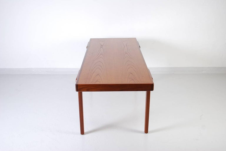 Midcentury Danish Teak Coffee Table, 1950s In Good Condition For Sale In Malmo, SE
