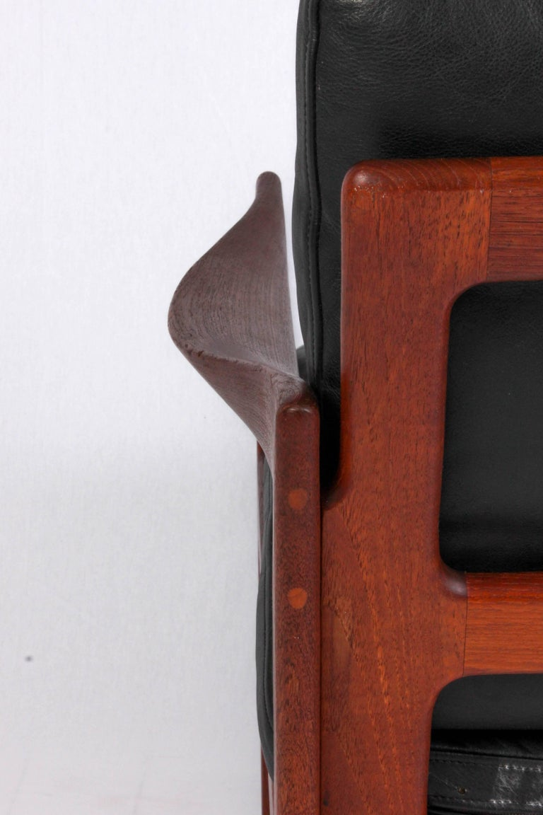 Illum Wikkelsø Midcentury Teak and Leather Lounge Chair for Niels Eilersen For Sale 2