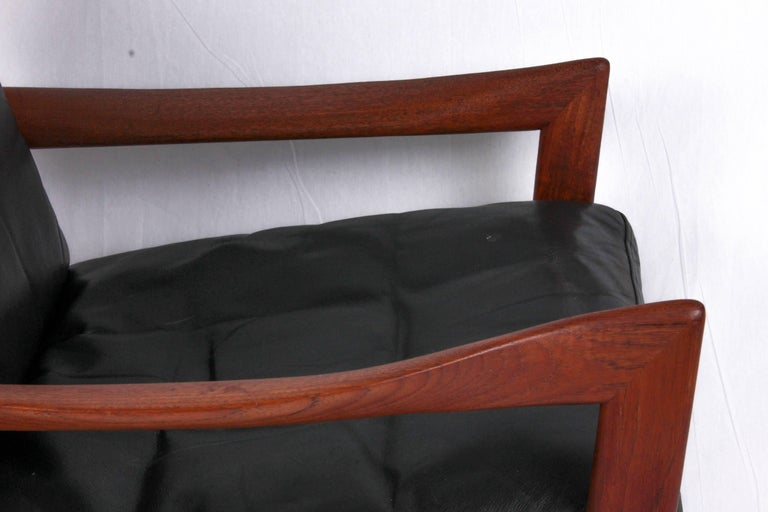 Illum Wikkelsø Midcentury Teak and Leather Lounge Chair for Niels Eilersen For Sale 3