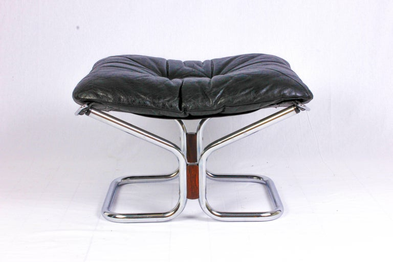 Mid-20th Century Pair of Midcentury Leather & Chrome Lounge Chairs and Ottoman by Ingmar Relling For Sale