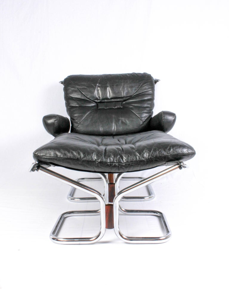 Pair of Midcentury Leather & Chrome Lounge Chairs and Ottoman by Ingmar Relling For Sale 2