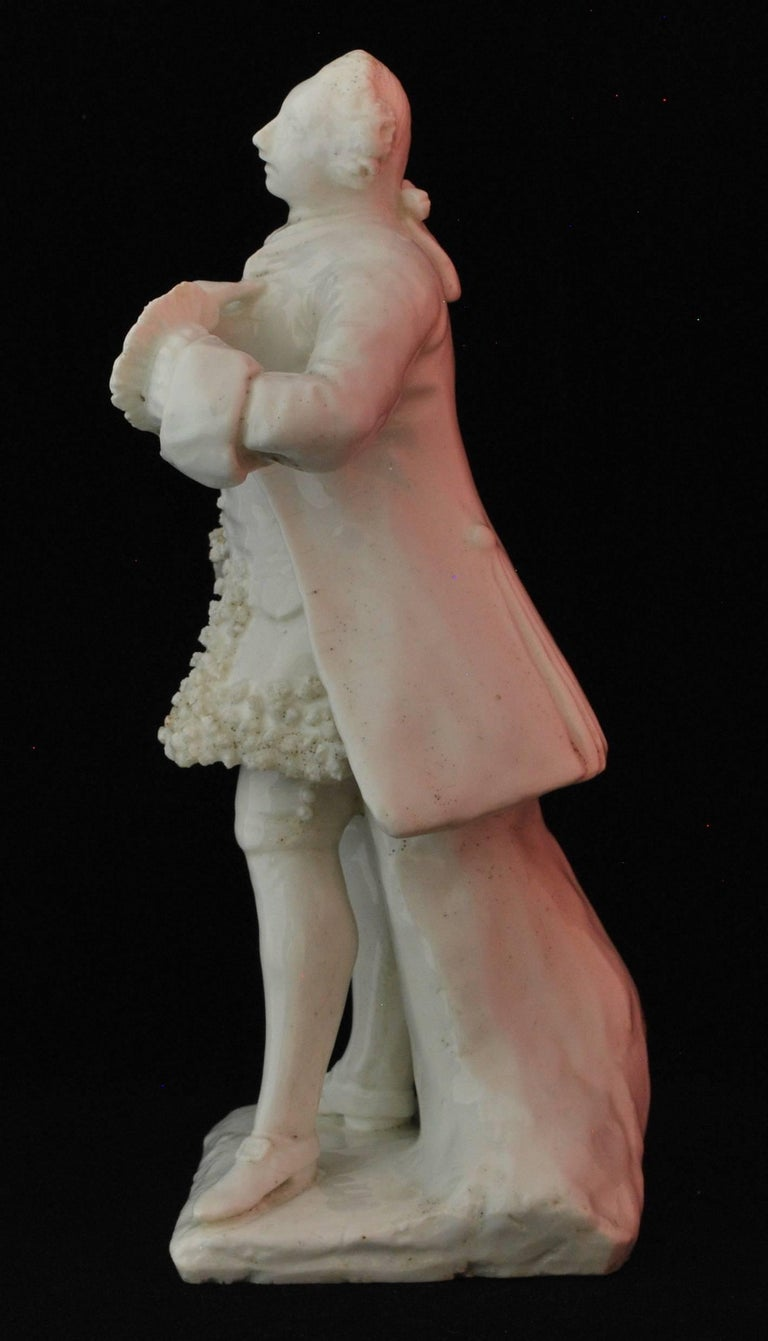 Figure of the Shakespearean Actor David Garrick, Bow Porcelain, circa 1750 For Sale 2