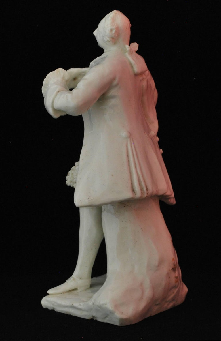 Figure of the Shakespearean Actor David Garrick, Bow Porcelain, circa 1750 For Sale 1