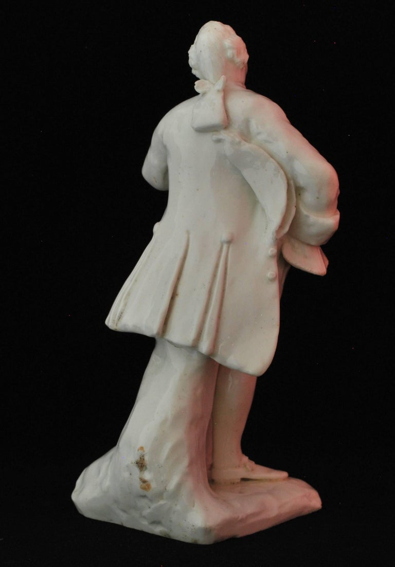 Figure of the Shakespearean Actor David Garrick, Bow Porcelain, circa 1750 In Good Condition For Sale In Melbourne, AU