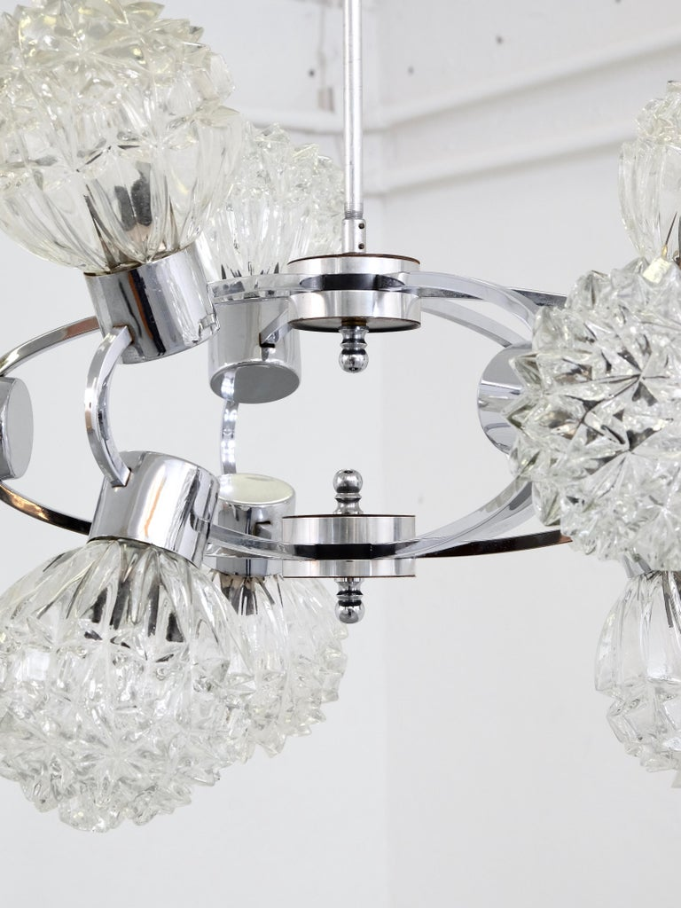 1970s Glass and Chrome Orbit Chandelier In Good Condition For Sale In Helsinki, FI