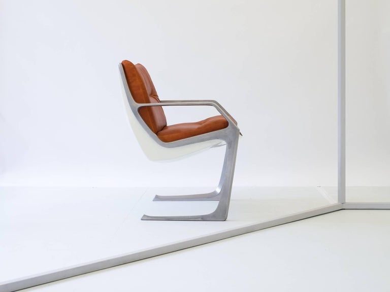 Space Age Pair of Jorge Zalszupin Commander Chairs in Aluminum and Fiberglass, Brazil 1975 For Sale
