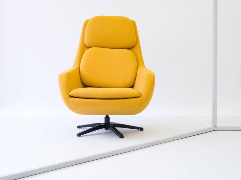 1960s Swivel Lounge Chair By Robin Day For Hille Uk For
