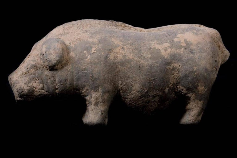Terracotta Han Dynasty Farm with Pig, China, 200 BC For Sale 2