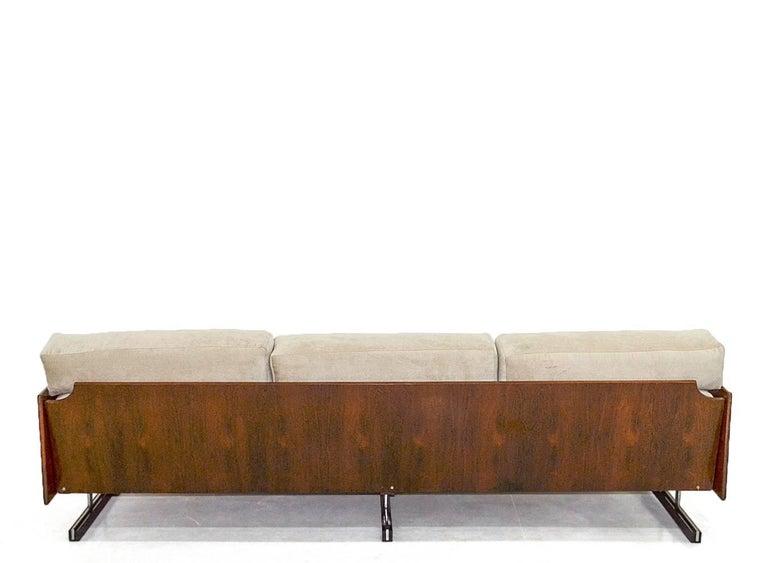 Mid-Century Modern Midcentury Brazilian Sofa in Jacarandá by L'Atelier For Sale