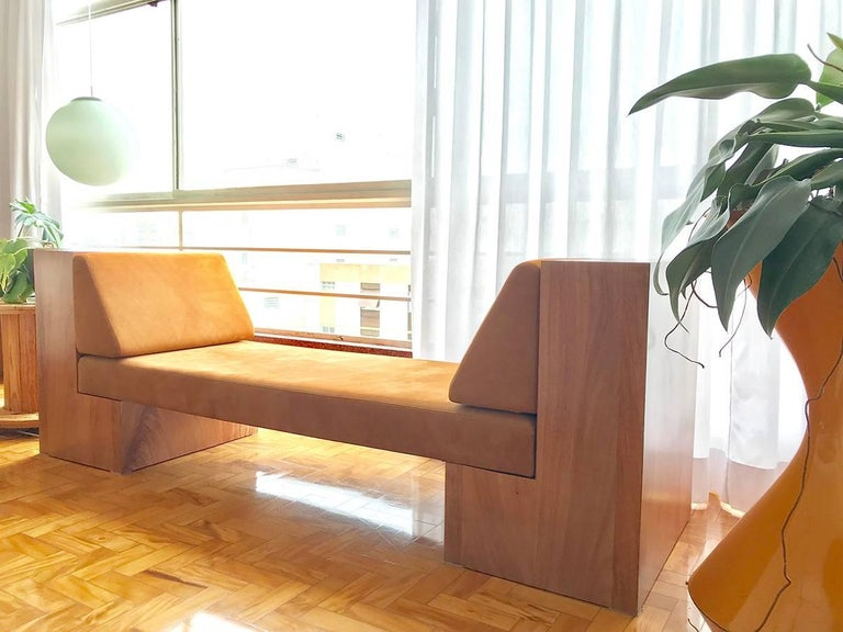 Modern INI Daybed in Solid Wood and Natural Leather For Sale