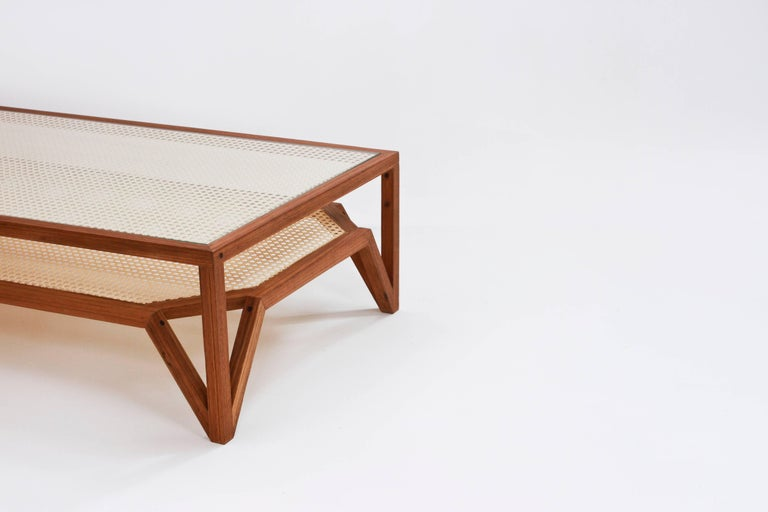Coffee Table in Hardwood and Woven Cane. Contemporary Design by O Formigueiro. In New Condition For Sale In Rio de Janeiro, RJ