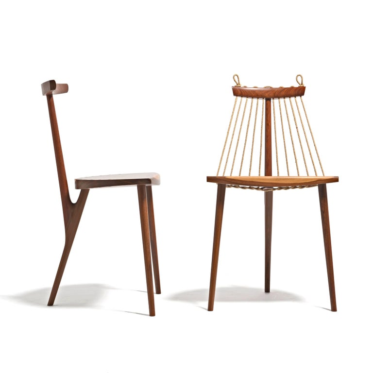 Three legs, 6 meters of rope and seven pieces of wood. That's all it takes to build this three-legged chair. Its uniqueness comes hand in hand with its simplicity. Natural lines and superb craftsmanship. The shape of the backrest is created by a