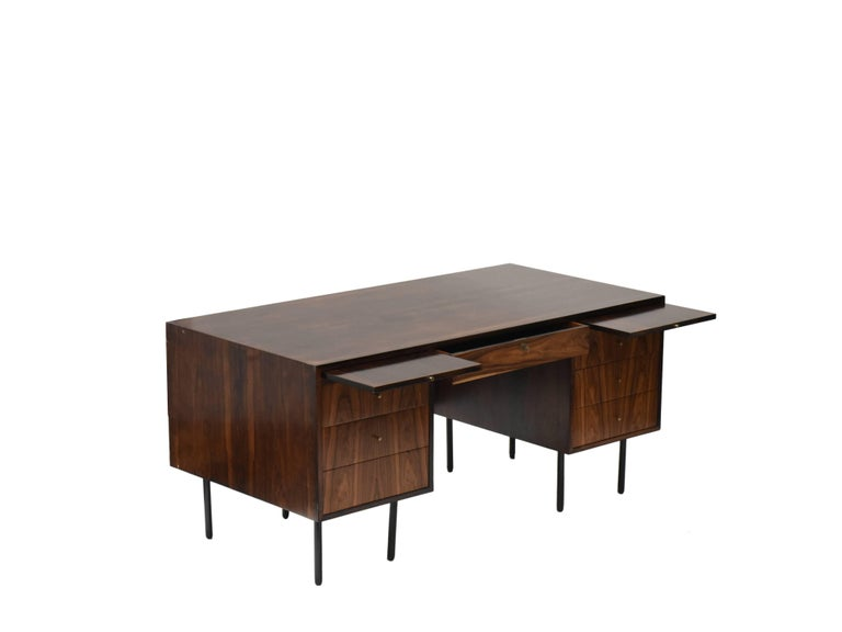 Brazilian Midcentury brazilian writing table in Rosewood by Forma, 1960s For Sale