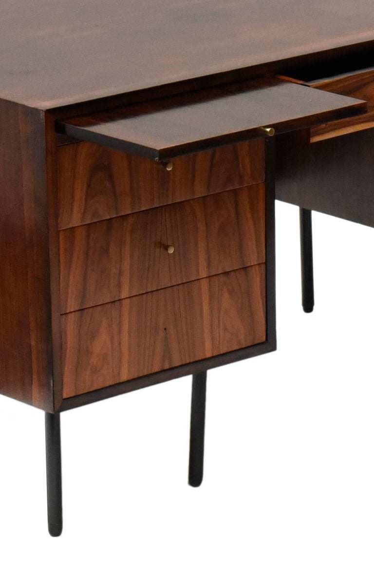 20th Century Midcentury brazilian writing table in Rosewood by Forma, 1960s For Sale