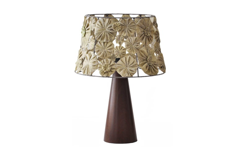 Wood Ipezinho Table Lamp with Yoyo Shade by Brazilian Yankatu In New Condition For Sale In Sao Paulo, SP