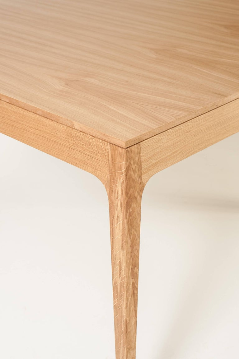 Minimalist Oak Long Dinner Table Extendable In New Condition For Sale In Sao Paulo, SP