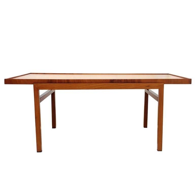 Brazilian 1950's  Midcentury Coffee Table in Caviúna Wood by Peter Kraft For Sale