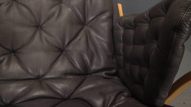 Pernilla Lounge Chair in Beech and Black Leather by Bruno Mathsson for DUX For Sale 2