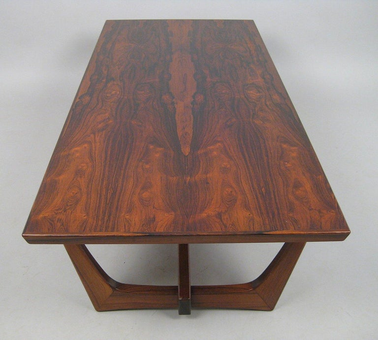 Danish Rosewood Coffee Table In Good Condition For Sale In Belmont, MA