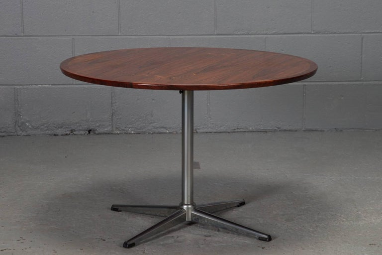 Mid-Century Modern Round Rosewood and Chrome Pedestal Base Coffee Table For Sale