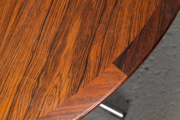 Round Rosewood and Chrome Pedestal Base Coffee Table In Good Condition For Sale In Belmont, MA