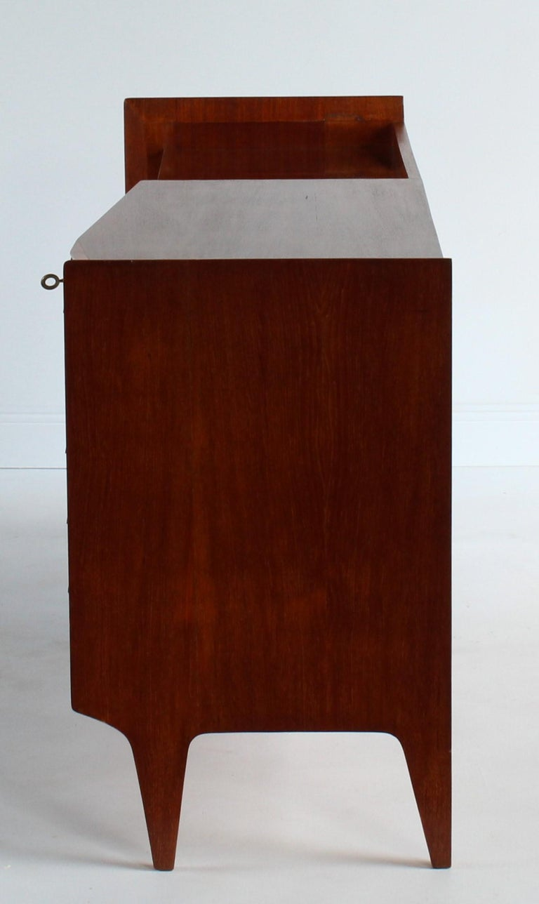 Gio Ponti, Rare Asymmetric Sideboard Mahogany Glass Vinyl Brass, Italy, 1950s For Sale 3