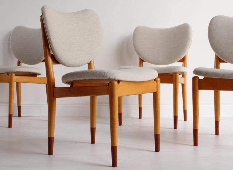 Finn Juhl, Rare Dining / Side Chairs, Maple, Teak, Beige Fabric, Denmark, 1949 For Sale 1