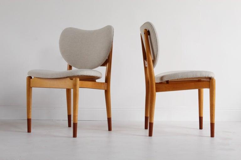 Scandinavian Modern Finn Juhl, Rare Dining / Side Chairs, Maple, Teak, Beige Fabric, Denmark, 1949 For Sale