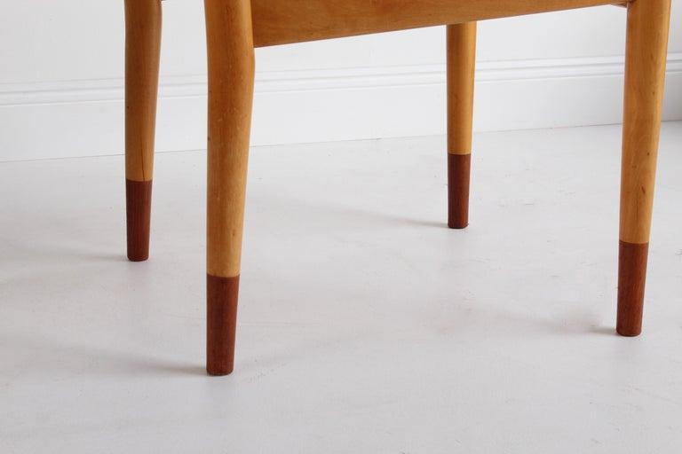 Finn Juhl, Rare Dining / Side Chairs, Maple, Teak, Beige Fabric, Denmark, 1949 For Sale 5
