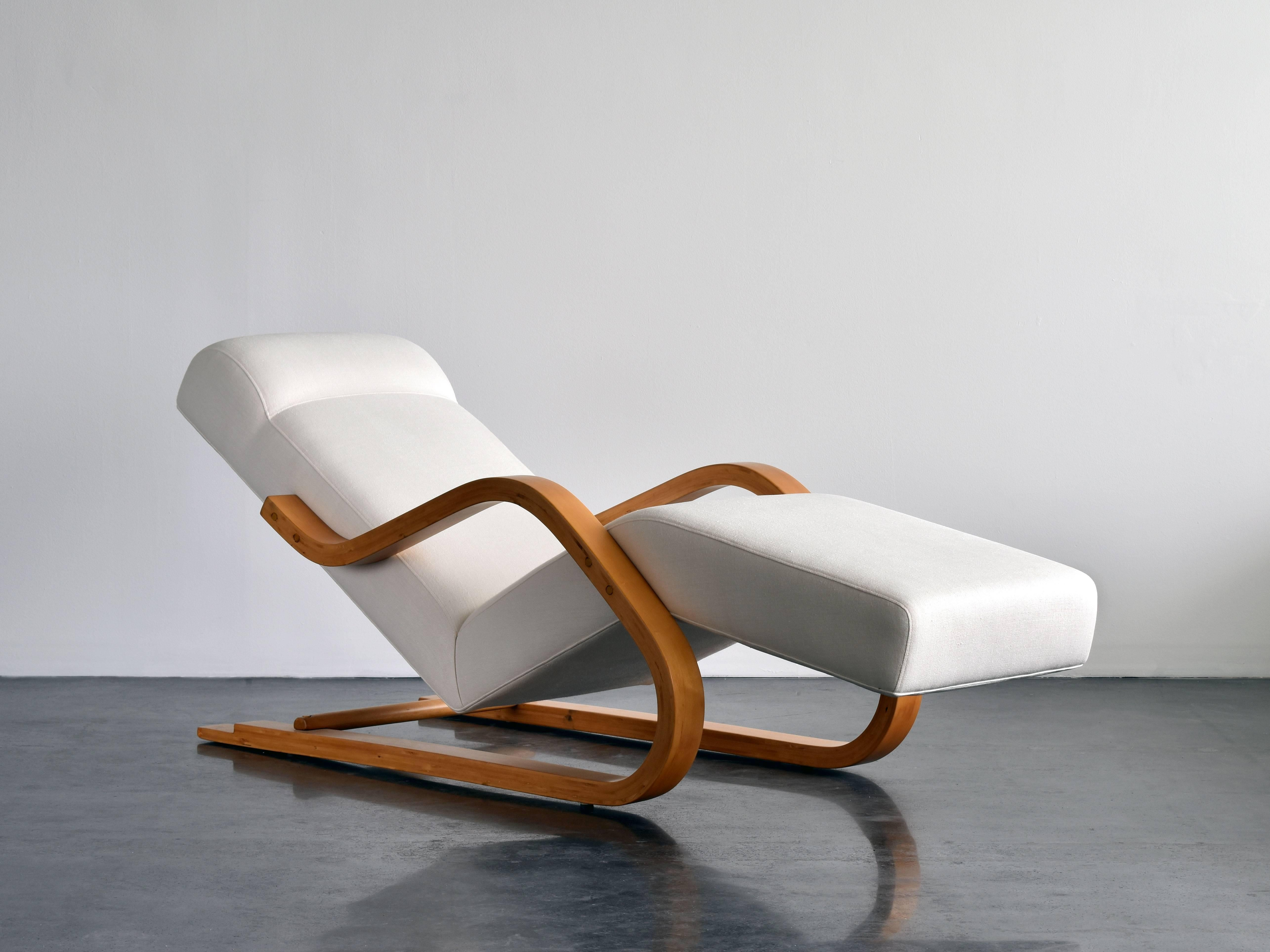 Rare In And Cantilevered Chaise 1937 Alvar AaltoEarly White FabricCirca CdxBore