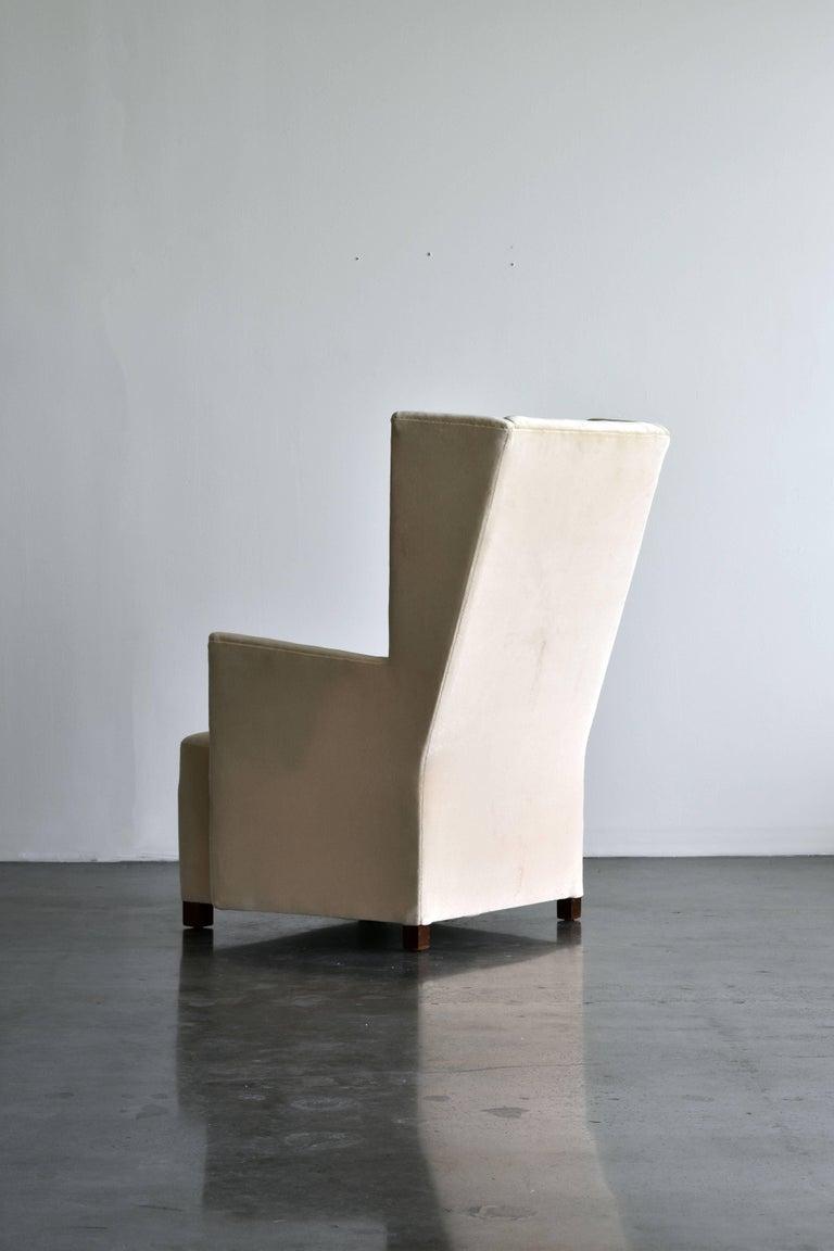 Mid-Century Modern Attributed to Björn Trägårdh & Uno Åhren, Lounge Chair, Light Grey Velvet, 1930 For Sale