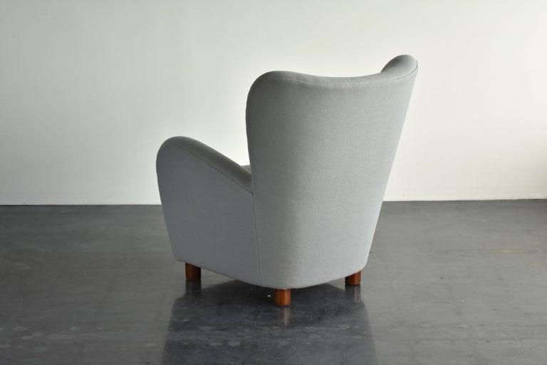 Scandinavian Modern Erik Wørts, Armchair in Light Grey Fabric, Cuban Mahogany Legs, circa 1941 For Sale