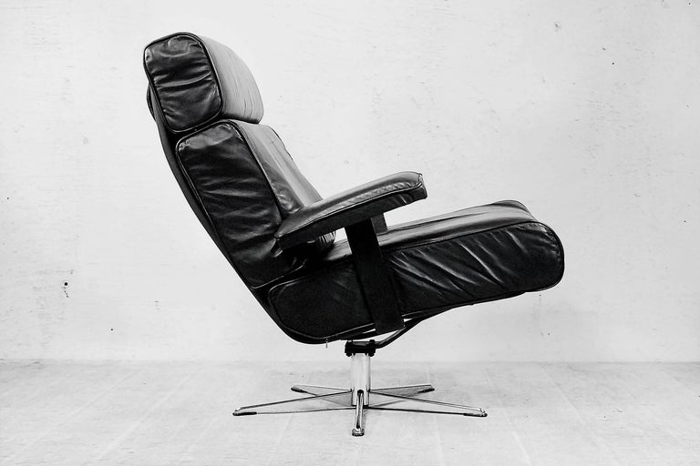 Italian Office Swivel Leather Easy Chair, 1960s For Sale 2