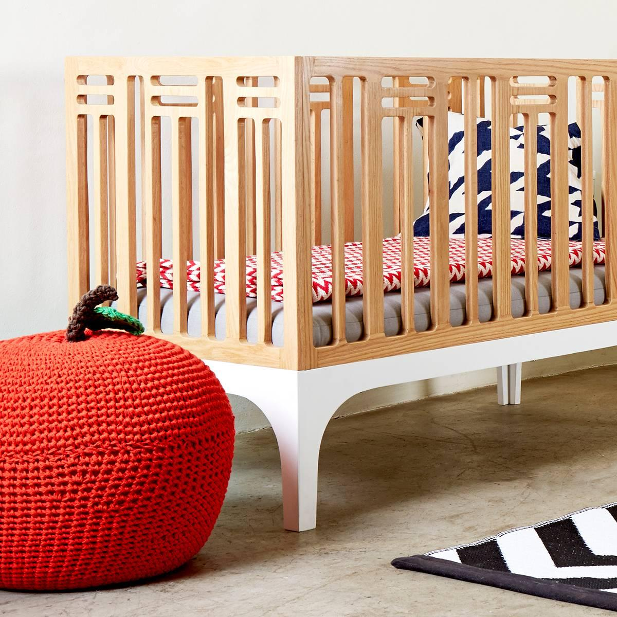 Modern Coco Heirloom 3 In 1 Crib, Toddler Bed And Daybed Nursery Furniture  Set For