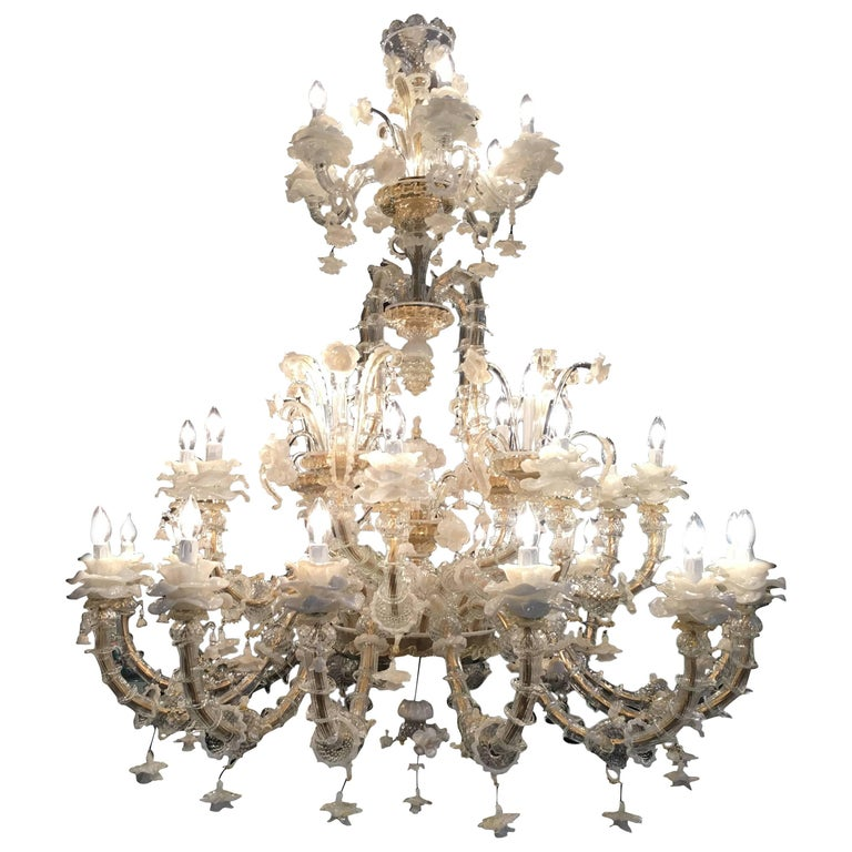 Spectacular Italian Chandelier Gold Inclusions, Murano, 1980s