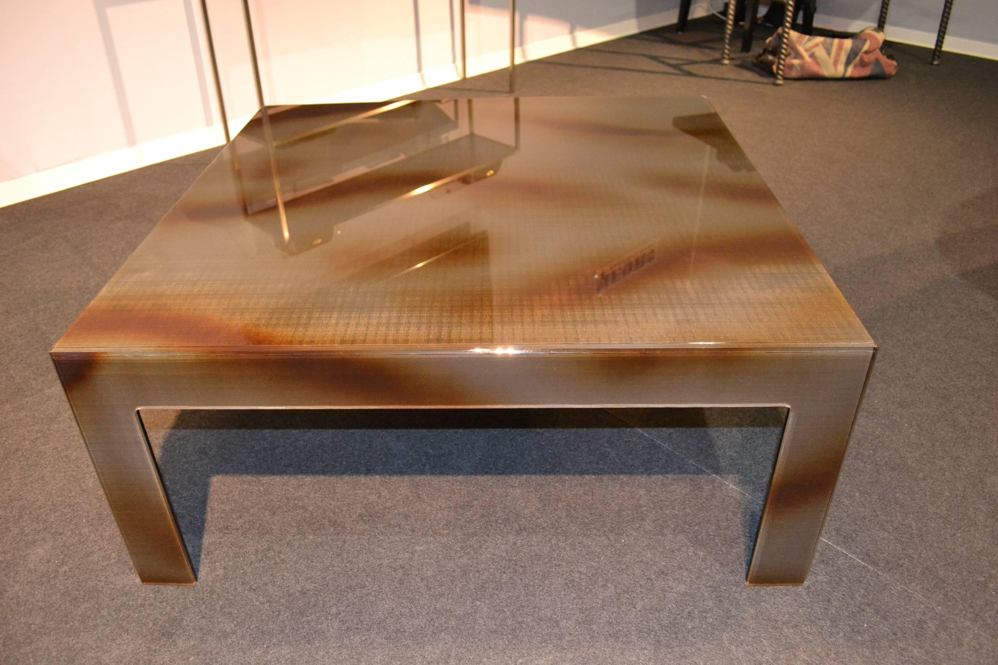 Swiss Modern Plexiglass Coffee Table With Flamed Black Metal Mesh Inlay For  Sale