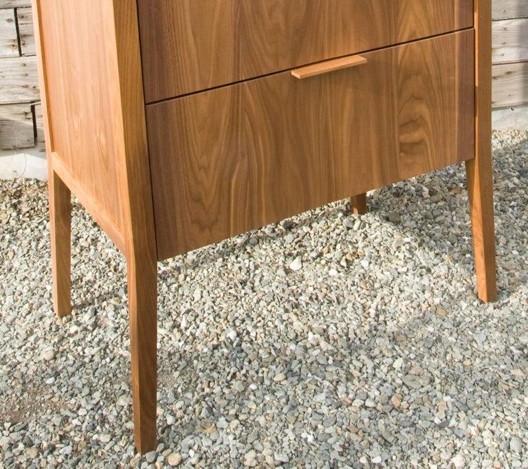 American Dresser, Storage, 5 Drawers, Modern, Hardwood, Walnut, Customizable, Semigood For Sale